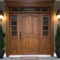 Двери из массива натурального дерева