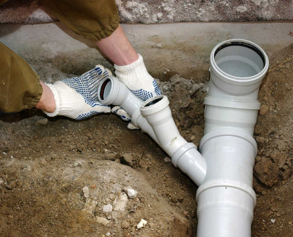 Как устраивать канализацию