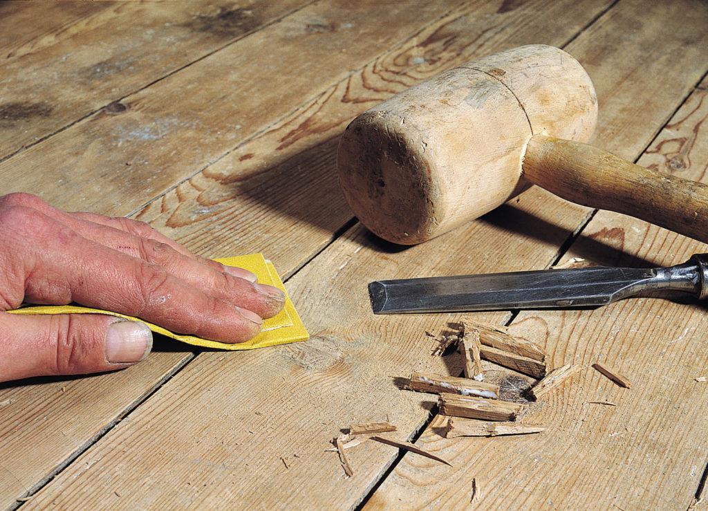 Щели на деревянном полу