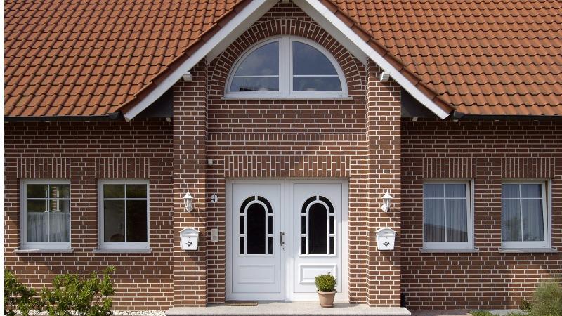 Какой лучше выбрать материал для отделки фасада помещения