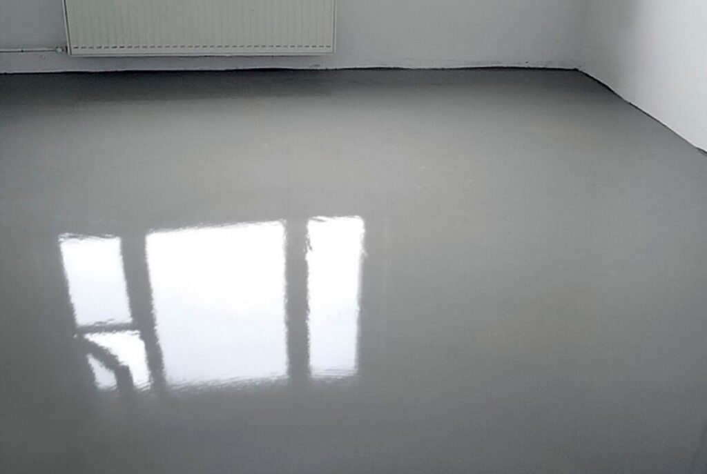 Как выровнять полы в квартире своими руками правильно