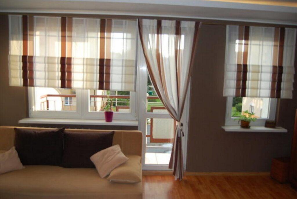 Шторы на балкон, на окно с балконной дверью в гостиной и спальне: римские и тюлевые занавески, идеи дизайна на 6 метров — 27 фото