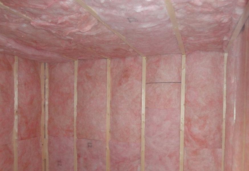 Монтаж теплоизоляции в сауне