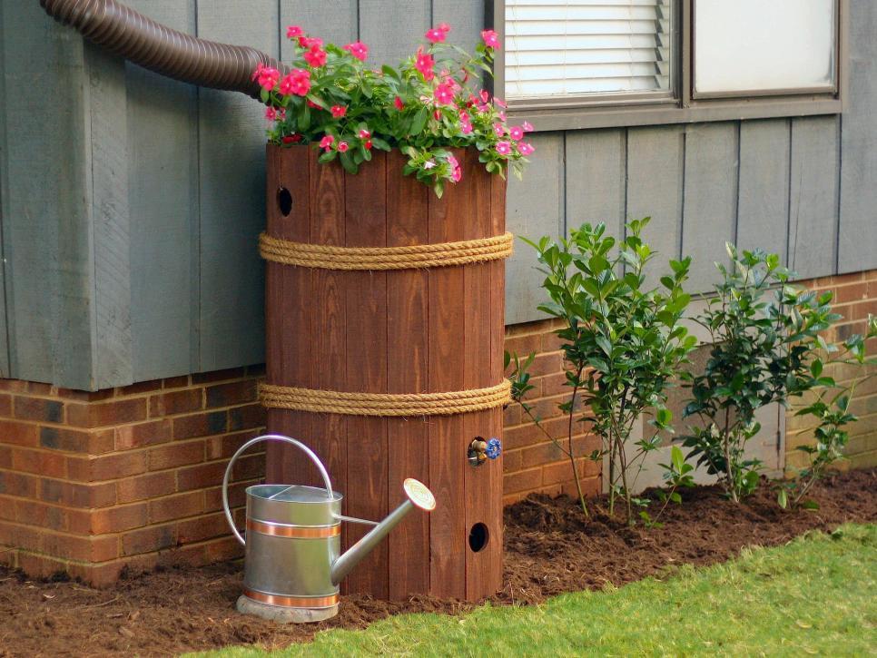 Пример дизайна бочки с дождевой водой