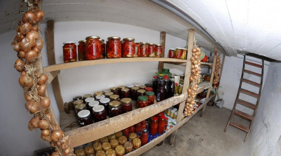 Овощная яма в гараже своими руками